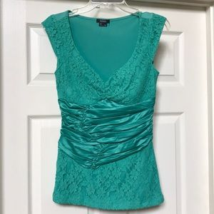 XOXO Lace green top small